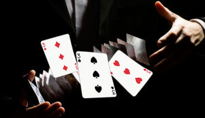 Krupe_igrajut_poker